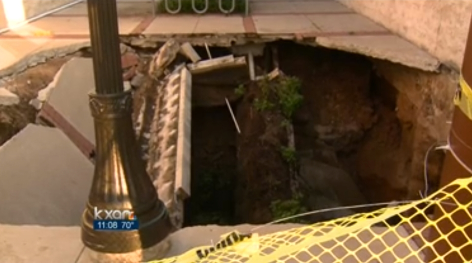 austin2013-2 - Bohol, Cebu residents warned vs giant sinkholes - Philippine Business News